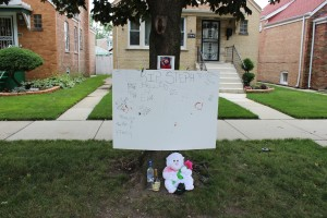 The makeshift memorial for Stephon Wright, on the tree where he died.