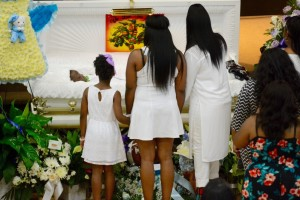 Mourners pay their last respects to Amari Brown Saturday at Mount Vernon Baptist Church.  | Brian Jackson / Chicago Sun-Times