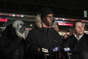 Rochetta Taylor, left, and Justin Bowess, right, father of 12-year-old Kanari Gentry-Bowers speaks outside Stroger Hospital where the girl passed away Wednesday.   Maria Cardona/ Sun-Times
