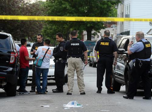 Police investigate a murder on Whittaker Ave. (Gregg Slaboda - Trentonian)
