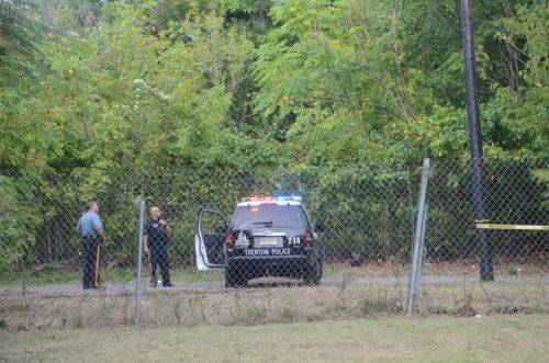 Police investigate a murder on East Stuyvesant Avenue. September 18, 2016 (Penny Ray - Trentonian)